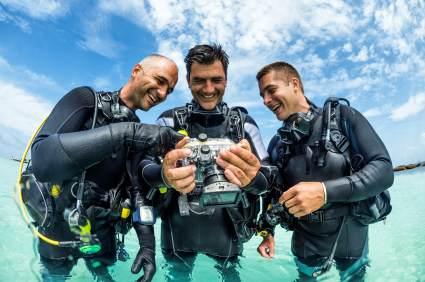 Der Trend geht eindeutig zur digitalen Unterwasserkamera.